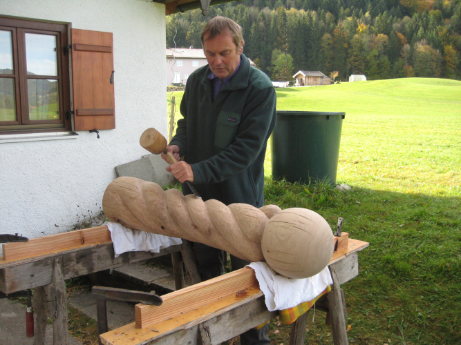 Geiserstanger Hubert-Ball auf fünf Fingern roh